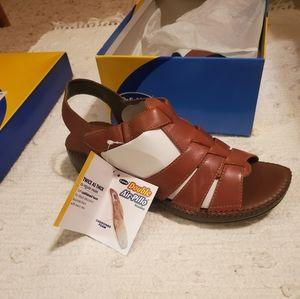 NWT Dr. Scholl's Air Pillow Sandals